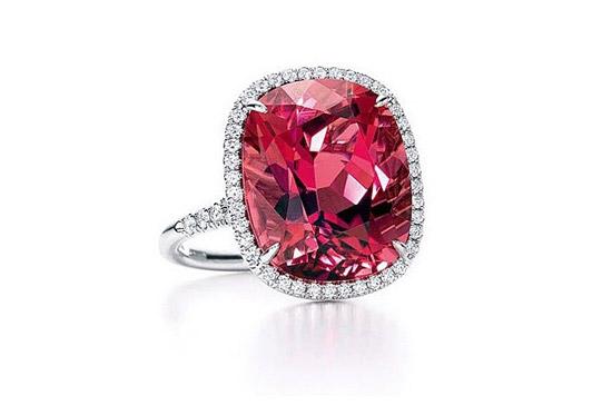 红色珠宝首饰四