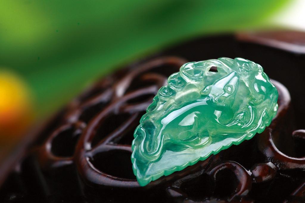 The benefits of wearing jade