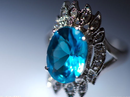 如何分辨珠宝真假