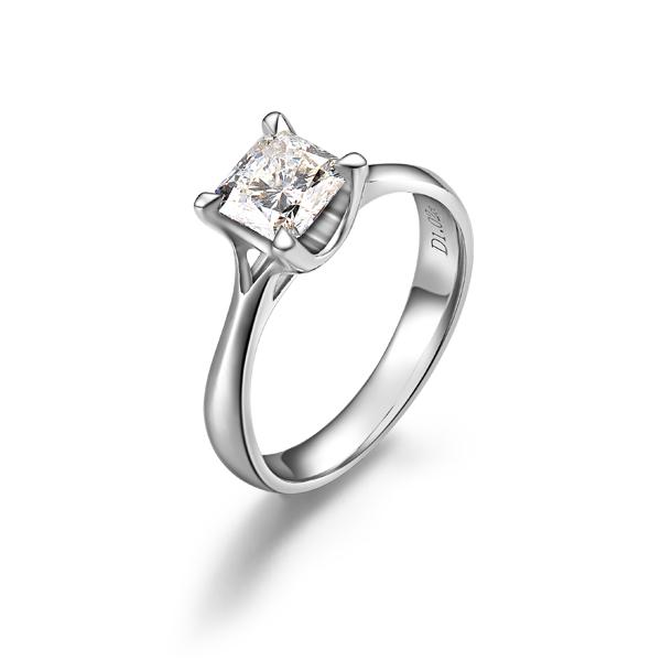 【清晰淼淼】 PT950铂金100分/1克拉公主方钻石戒指