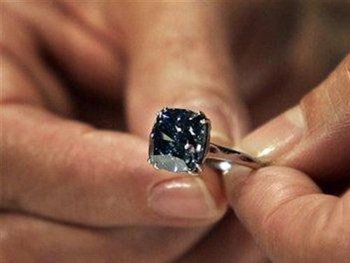 7克拉钻石