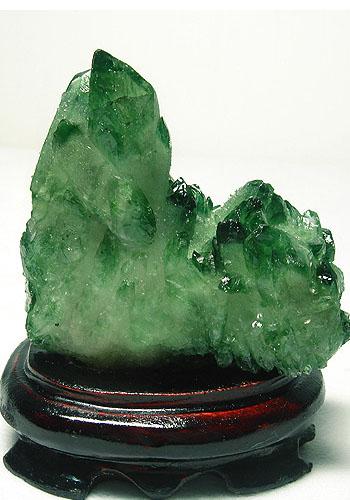绿水晶识别方法 玻璃水晶区别探讨