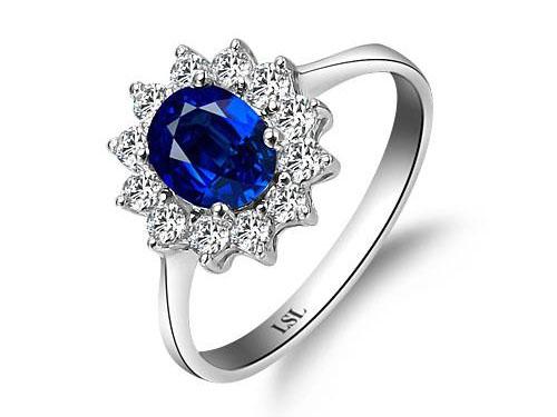蓝宝石戒指款式鉴赏