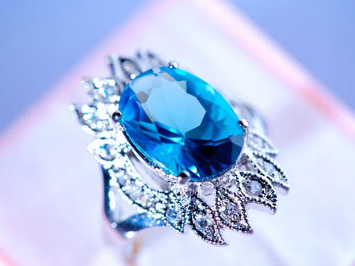 天然蓝宝石戒指品牌