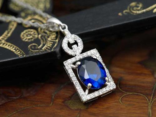 蓝宝石项链搭配选购