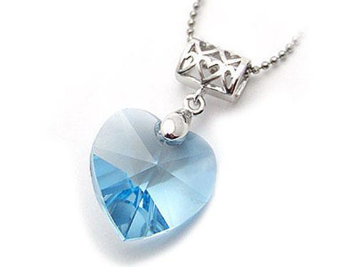 蓝水晶吊坠哪个品牌好