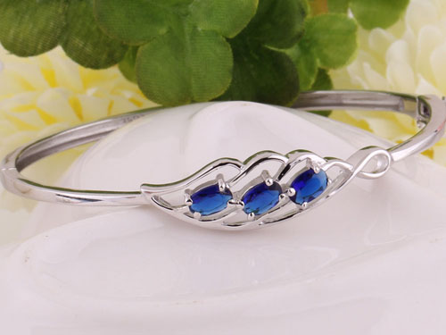 蓝宝石手镯