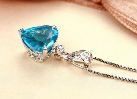 海蓝宝石吊坠保养维护_佩戴_适合人群_海蓝宝石吊坠