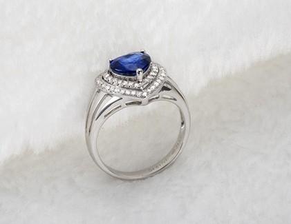 【心连心】 白18K金女士蓝宝石戒指 专柜正品 名款