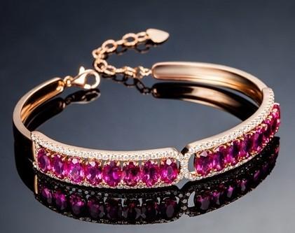 【宠爱】 18K金玫瑰金缅甸红宝石女士手链