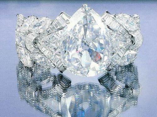 .艾克沙修钻石
