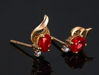【闪耀心爱】 18K玫瑰金金高品质红宝石女士耳钉