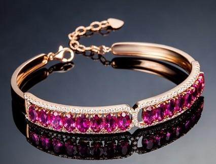 【宠爱】 18K金玫瑰金缅甸红宝石女士手链 新款