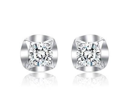 周大福钻石耳环怎么样