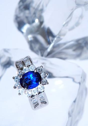 蓝宝石戒指选购注意事项 戒指价格 哪里购买 蓝宝石戒指贵吗