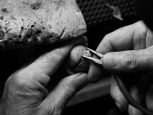 钻石镶嵌-柱镶法、钉镶法