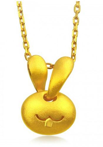 周生生黄金吊坠-小兔头吐气扬眉