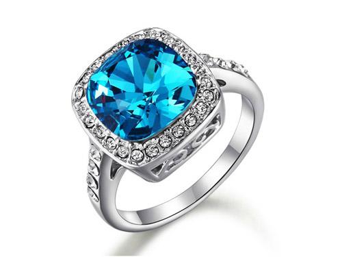 蓝水晶戒指-微镶锆钻