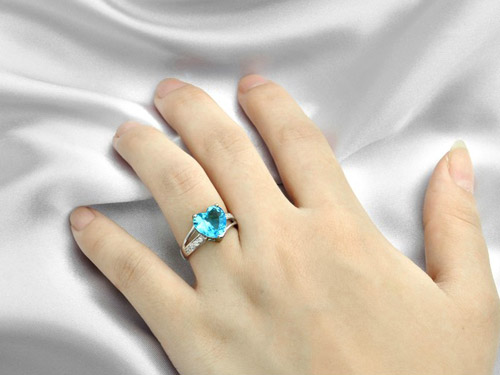 蓝水晶戒指-瑞士钻璀璨之戒