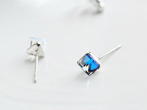 蓝水晶耳钉-时尚耳钉