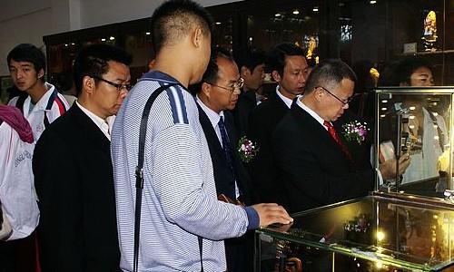 """2013""""玉满乾""""杯龙陵黄龙玉雕刻大赛"""