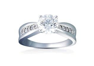 甘露珠宝戒指