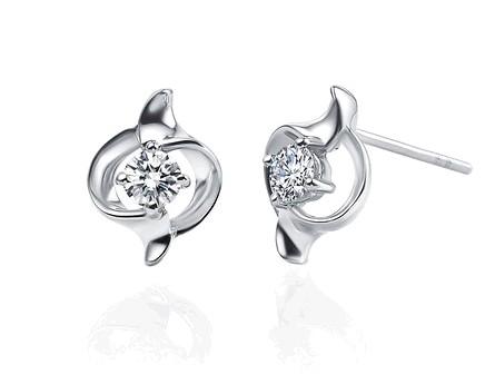 天然钻石耳钉怎么挑选