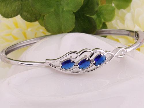 彩色蓝宝石正确保养方法
