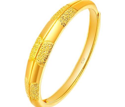 周大福足金黄金戒指/结婚戒指/对戒(工费:38 计价)F 156853