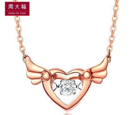 周大福钻石项链款式推荐 周大福萌小鹿 双色 钻石项链款式价格图片