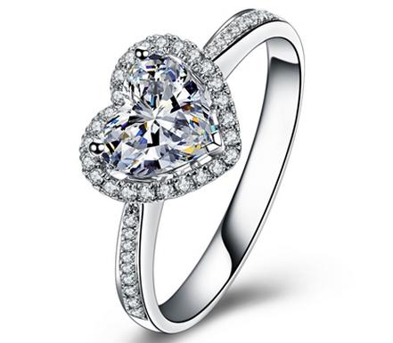 【浪漫的心】 18K白金F-G色100分/一克拉心形钻石戒指