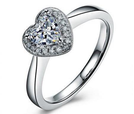 0.50克拉 心形 钻   ,颜色:F,净度:SI2