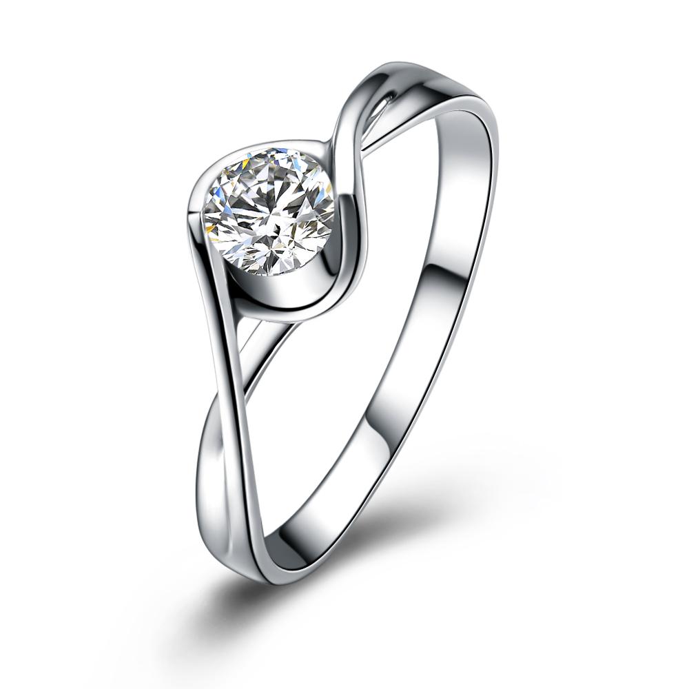 【倾世之吻】 白18k金30分/0.3克拉钻石戒指 专柜正品