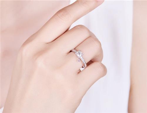 1克拉钻石值多少钱