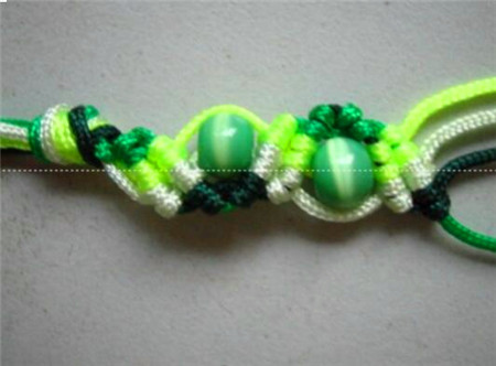 小珠子手链的编法大全 小珠子手链的编法教程图解
