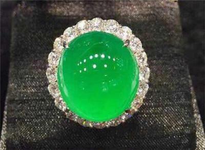 翡翠戒指镶嵌款式图片欣赏 翡翠戒指镶嵌款式盘点