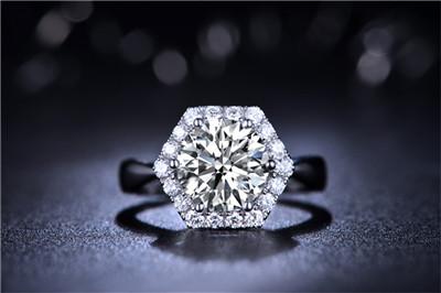钻石戒指,0.7克拉钻戒,钻戒价格