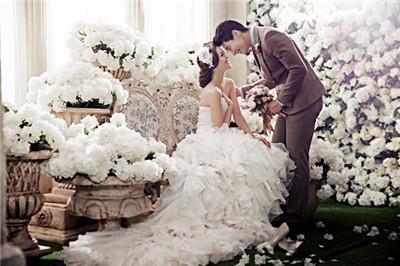 铂爵婚纱摄影价格