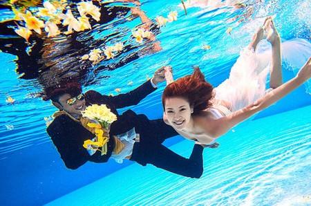 水下婚纱照怎么睁眼