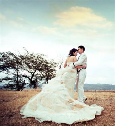拍一套婚纱写真多少钱