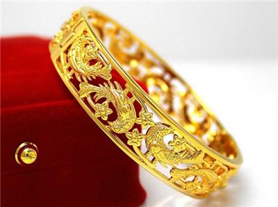黄金首饰,黄金手镯,黄金佩戴