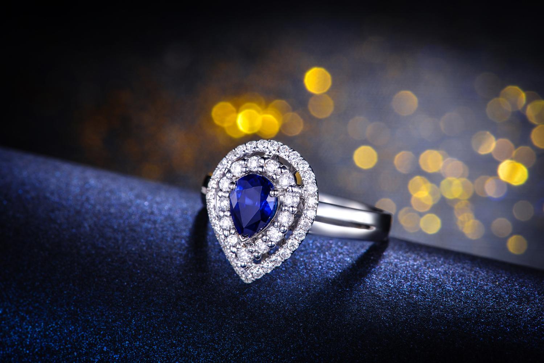 佐卡伊蓝宝石戒指