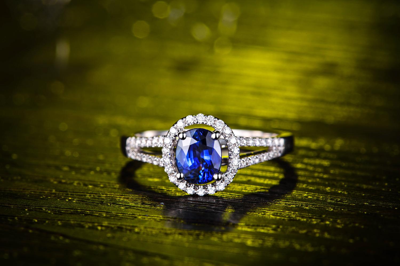 蓝宝石的价格受哪些因素影响