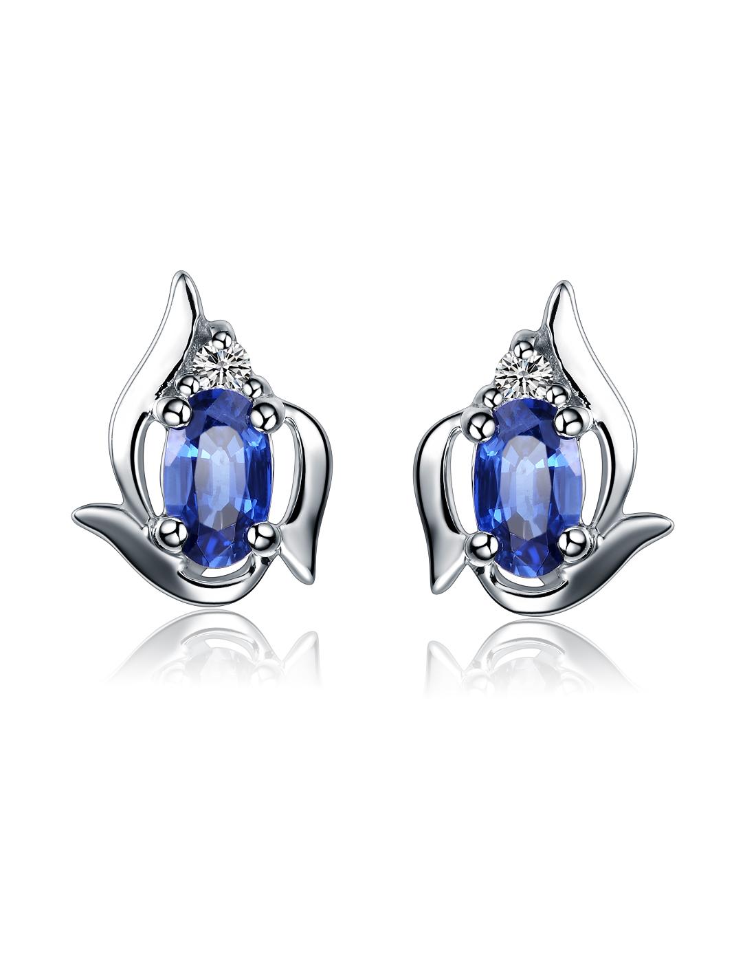 佐卡伊蓝宝石钻石耳钉款式