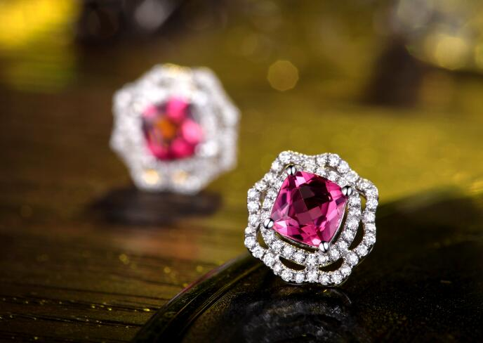 红宝石,红宝石耳钉,佐卡伊耳钉