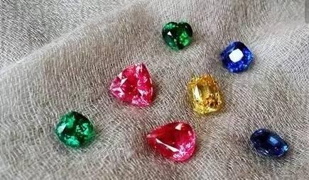 尖晶石,彩色宝石,彩宝