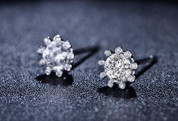 钻石,钻石耳钉,佐卡伊耳钉
