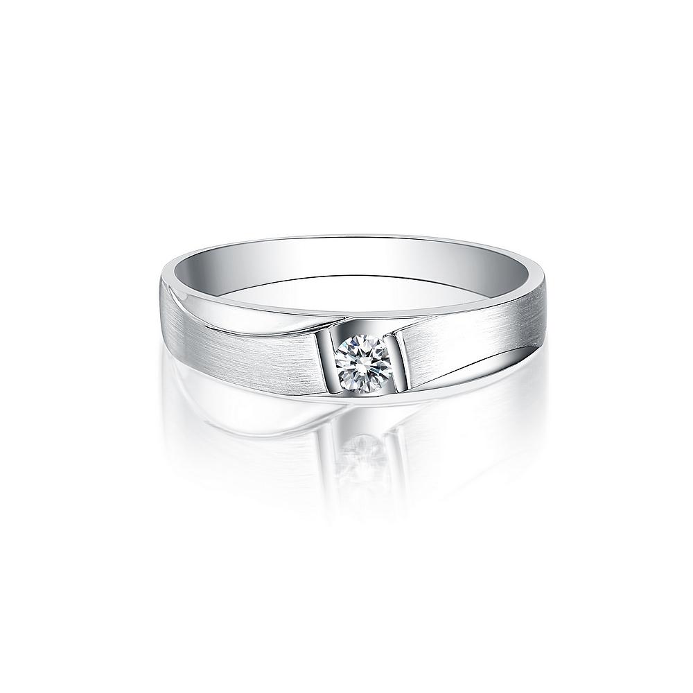 》》点击进入【爱追随】 白18K金12分/0.12克拉钻石男士戒指