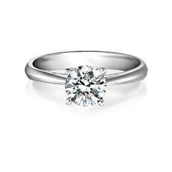 铂金与钻石的完美组合扮靓新娘双手