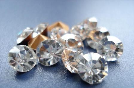 仿制钻石材料有哪些?